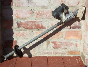 Wartburg 353 steering column with ignition lock for stick shift, used